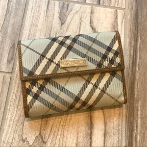 💯 Authentic Burberry Canvas Wallet